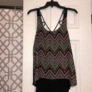 Geometric patterned high low top